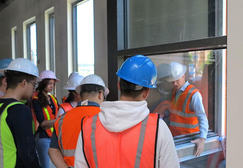 G4 tours San Pablo Library construction